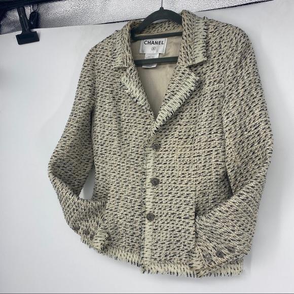 Chanel   Size 42. Tweed Blazer